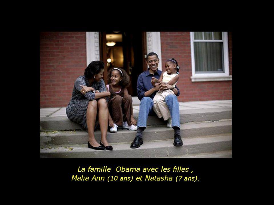 Barack Obama y sa soeur Maya, Avec leur famille respective.