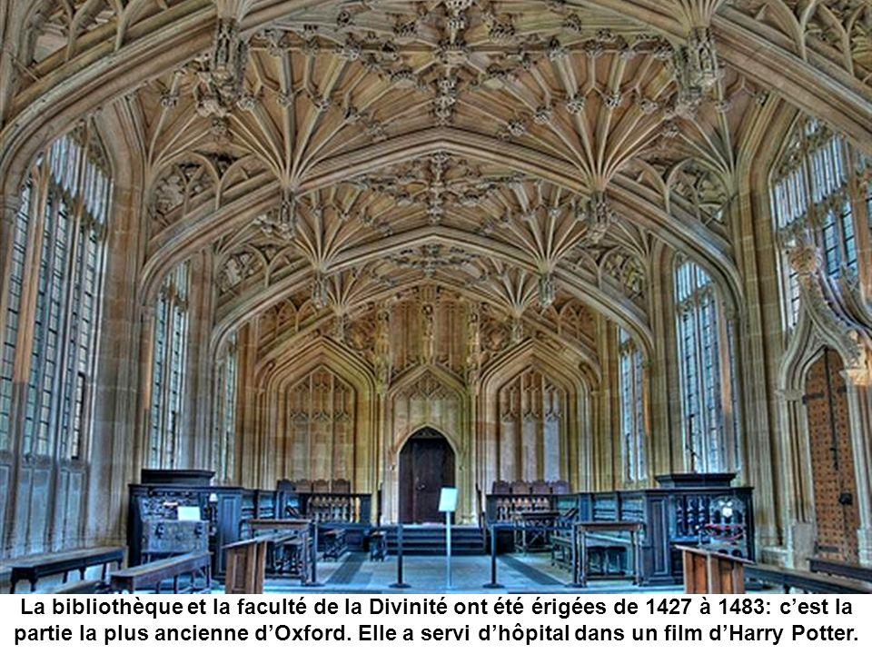 Lun des halls de la bibliothèque bodléienne.