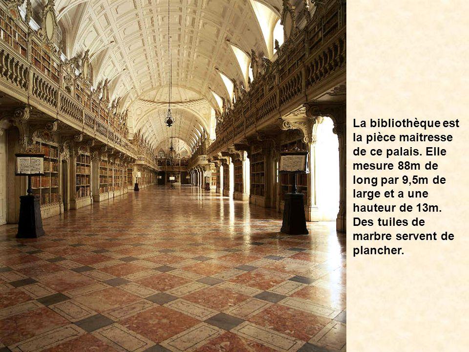 Situé dans la petite ville de Mafra au Portugal, on raconte que ce palais se voulait le rival de lEscurial de Madrid. Cest un palais-monastère. Le pal