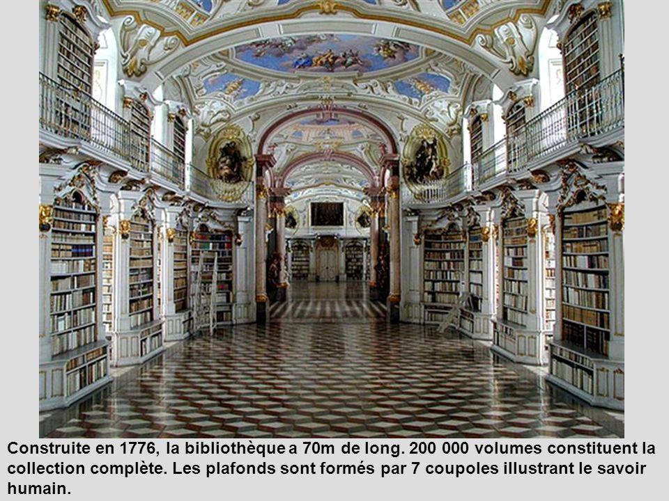 La bibliothèque de cette abbaye bénédictine est la plus grande bibliothèque monastique au monde.