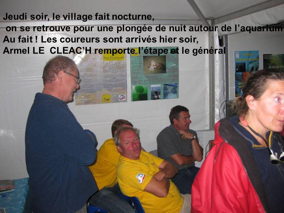 Jeudi soir, le village fait nocturne, on se retrouve pour une plongée de nuit autour de laquarium Au fait .