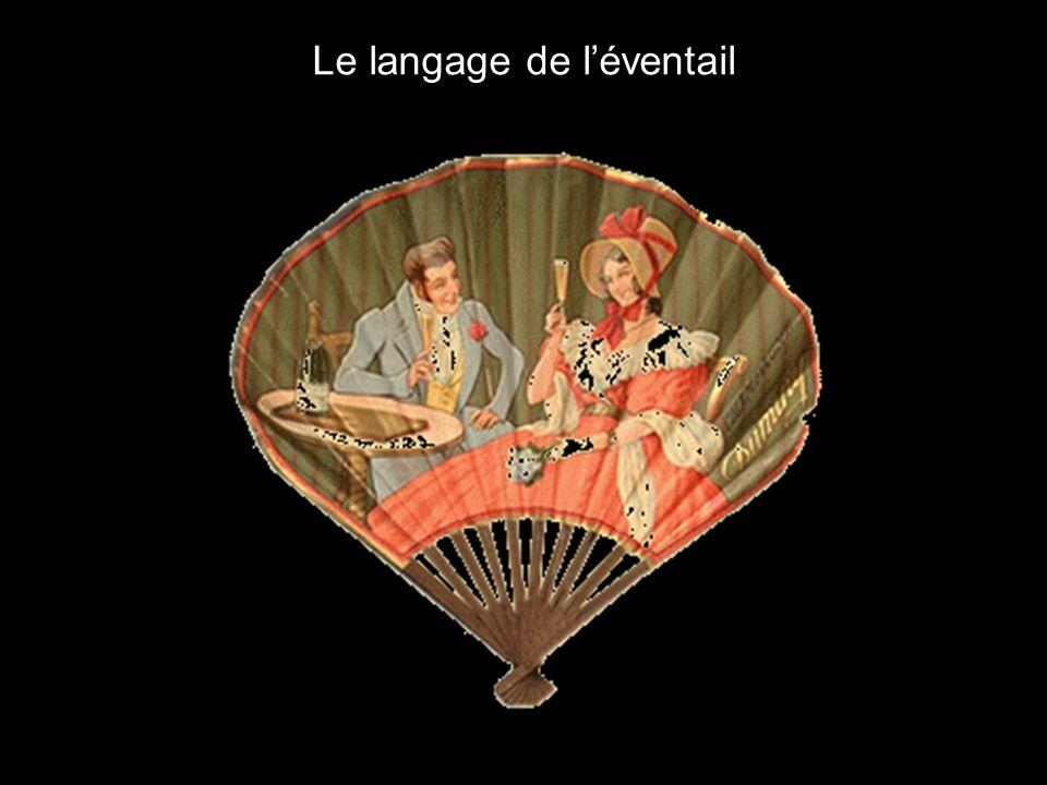 Les éventails en celluloïd nés à la fin du XIXème siècle continuaient aussi à se développer, à usage parfois publicitaire, mais surtout comme objets d