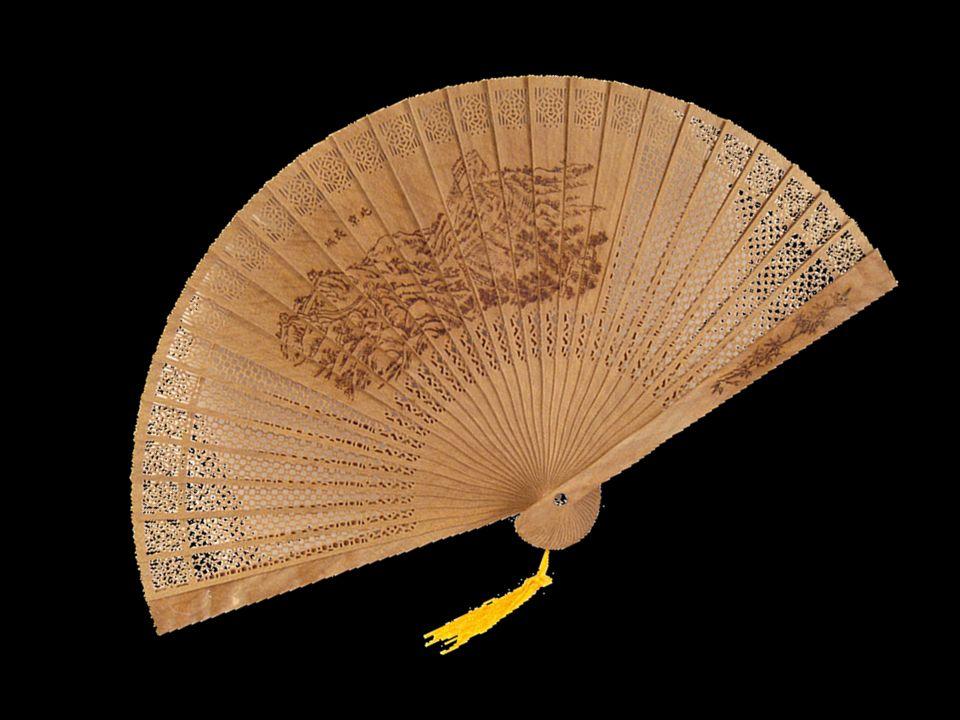 Histoire En Chine, les premiers éventails étaient rigides et en plumes. Au II e siècle déjà, le bambou était utilisé pour la fabrication de la monture