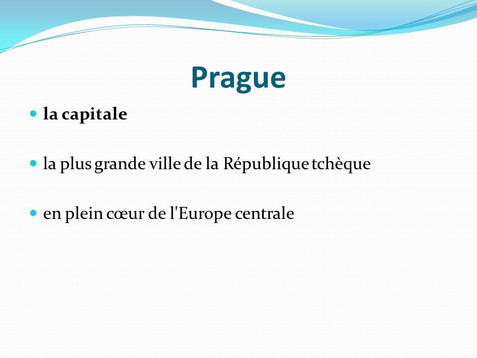 Prague la capitale la plus grande ville de la République tchèque en plein cœur de l'Europe centrale
