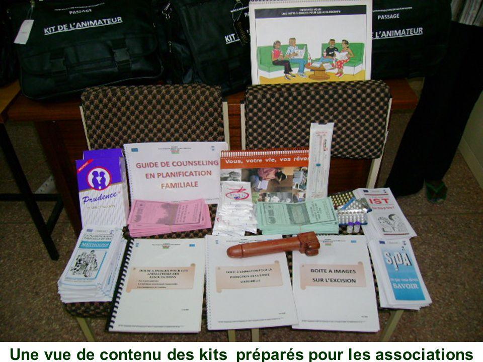 Une vue de contenu des kits préparés pour les associations