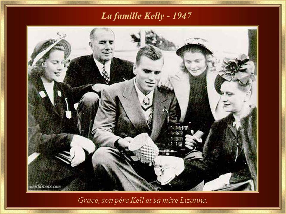 La famille Kelly - 1947 Grace, son père Kell et sa mère Lizanne.