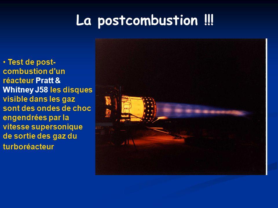 La postcombustion !!! Test de post- combustion d'un réacteur Pratt & Whitney J58 les disques visible dans les gaz sont des ondes de choc engendrées pa