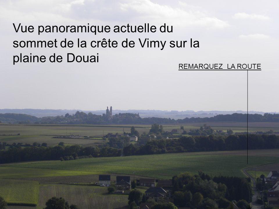 Vue panoramique actuelle du sommet de la crête de Vimy sur la plaine de Douai REMARQUEZ LA ROUTE
