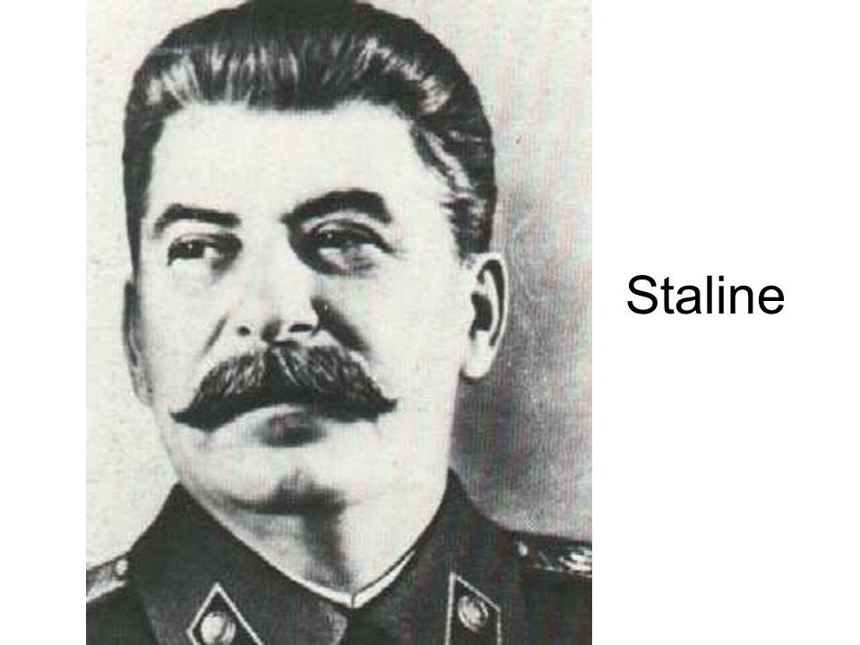 Il se montre comme le successeur de Lénine Toujours plus grand pour montrer sa force Il se montre humain avec les enfants Chef de larmée = puissance militaire