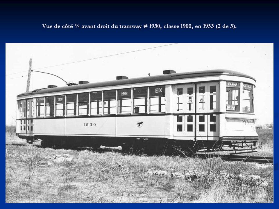 Tramway électrique fermé, construit par la Canadian Car and Foundry en 1926 pour la Montreal Tramways Company et retiré entre 1954 et 1958 par la Comm