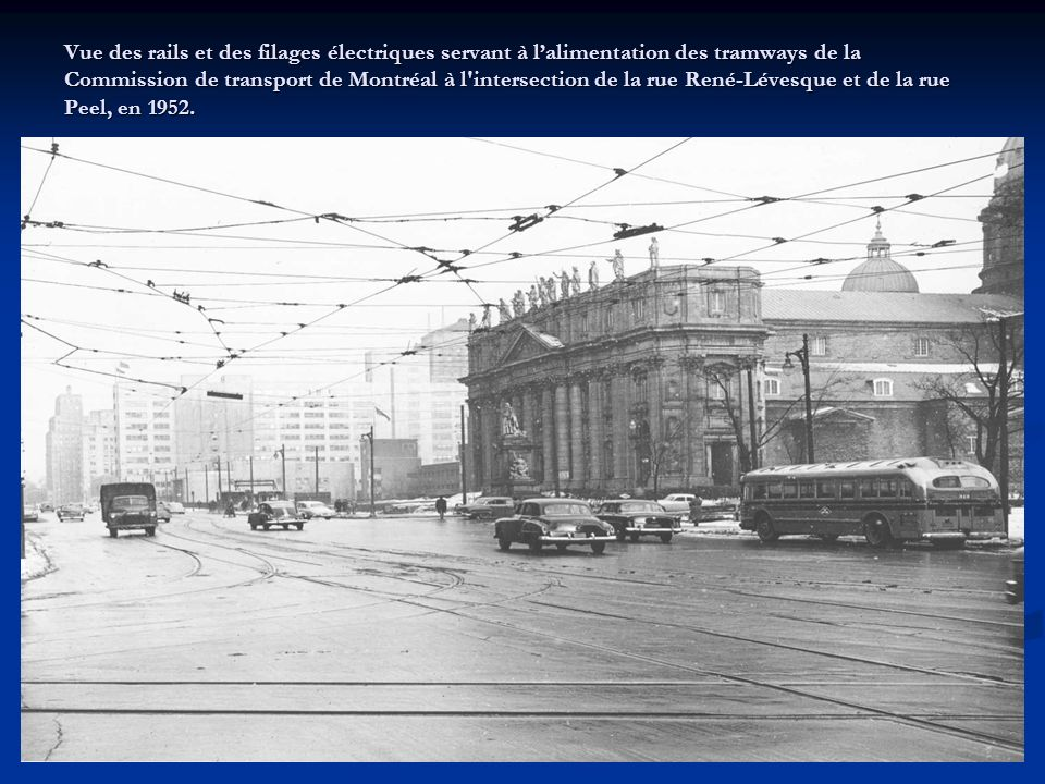 Tramway électrique fermé, construit en 1930 par la la Canadian Car and Foundry pour la Montreal Tramways Company, retiré en 1959 par la Commission de