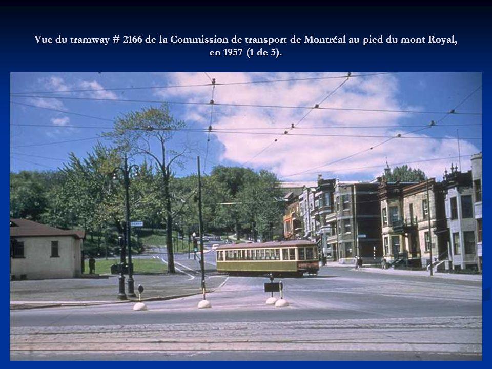 Tramway # 1966 de la Commission de transport de Montréal, ligne 54 Rosemont, sur la rue Rosemont, en 1956