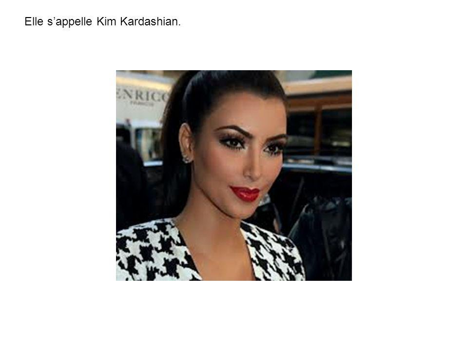 Elle sappelle Kim Kardashian.