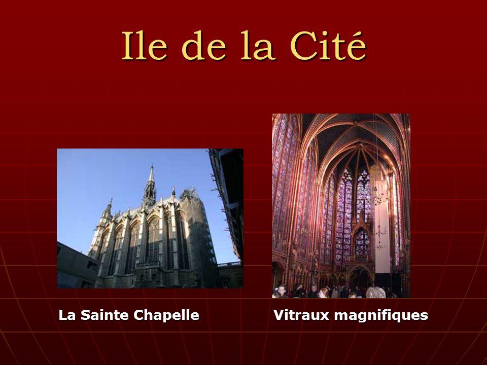Ile de la Cité La Sainte Chapelle Vitraux magnifiques La Sainte Chapelle Vitraux magnifiques