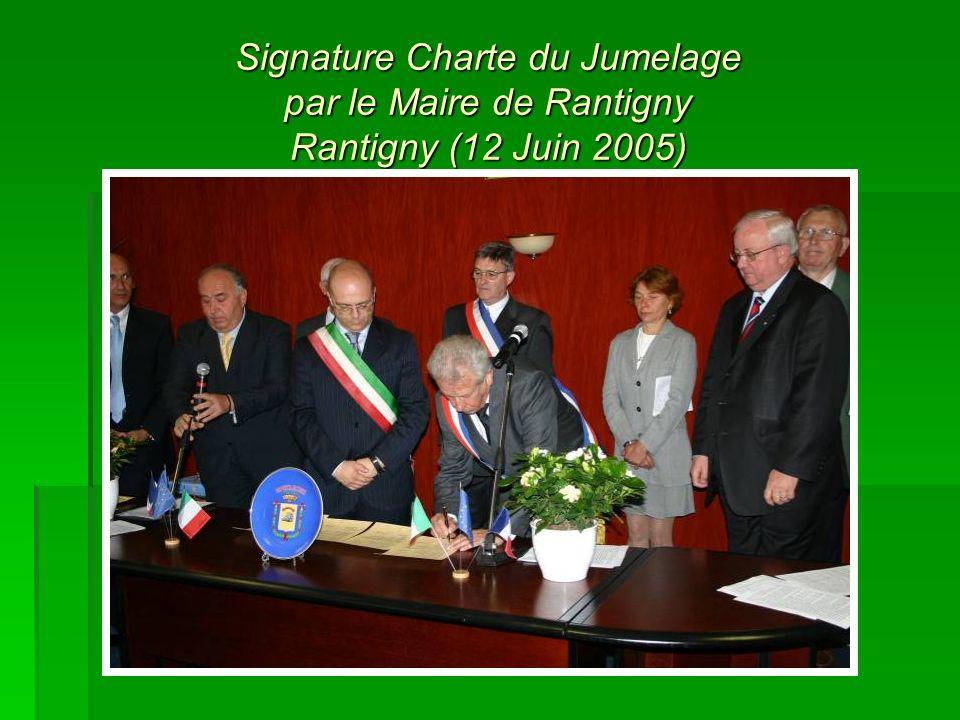 Signature Charte du Jumelage par le Maire de Rantigny Rantigny (12 Juin 2005)