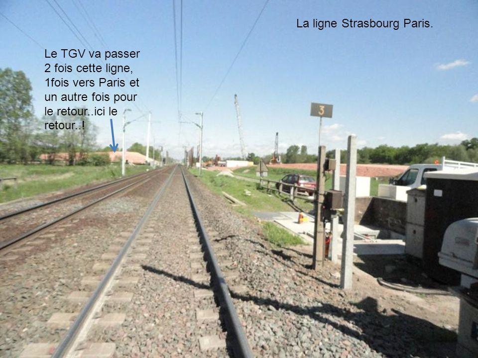 Passage du canal de la Marne au Rhin par le TGV Route de chantier crée spécialement pour relier Saverne à Vendenheim… le pont sera détruit à la fin du