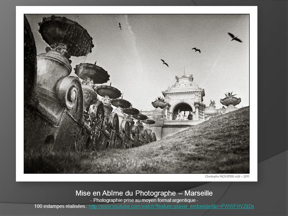 Mise en Abîme du Photographe – Marseille - Photographie prise au moyen format argentique - 100 estampes réalisées : http://www.youtube.com/watch?featu