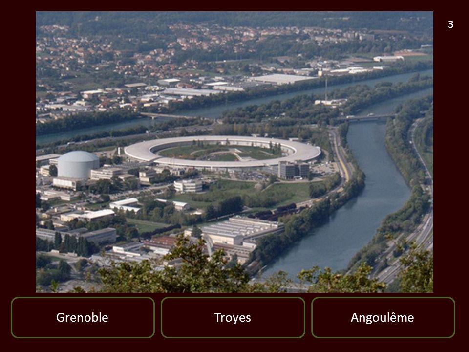Clique ici pour Continuer Metz Vue sur le Moyen Pont et le Temple Neuf entouré par les bras de la Moselle Bonne Réponse Metz est une ville située dans le nord-est de la France Elle est le chef-lieu du département de la Moselle et la préfecture de la région Lorraine dont elle est la commune la plus peuplée