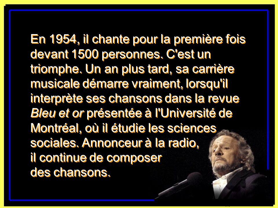 Claude Léveillée à son piano en 2003. Rémi Lemée, La Presse