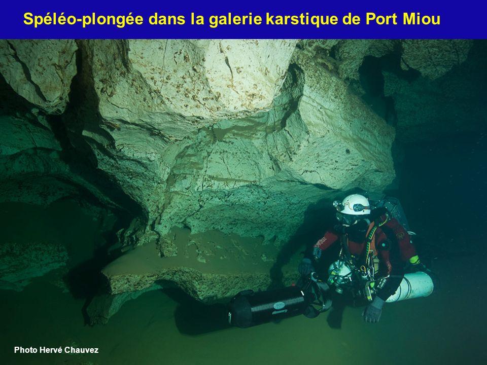 11 Spéléo-plongée dans la galerie karstique de Port Miou Photo Hervé Chauvez