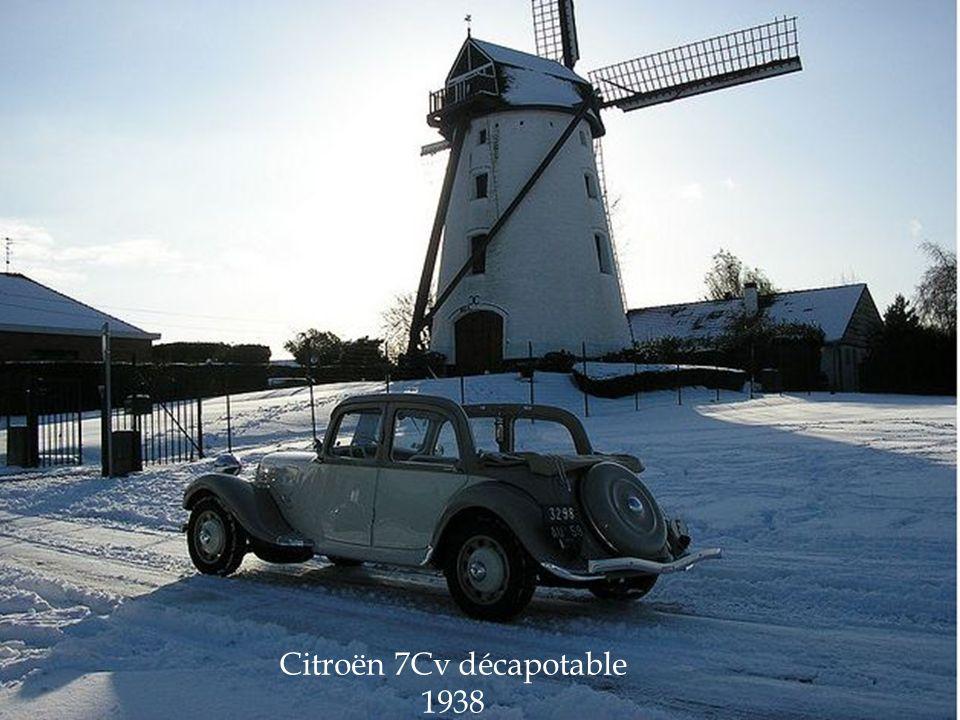 Poste de conduite de la traction Citroën 7 Cv.