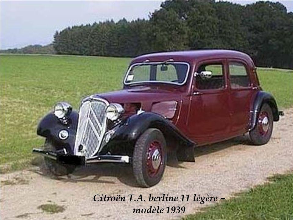 Citroën T.A. 11cv berline légère modèle 1938 photo dépoque.