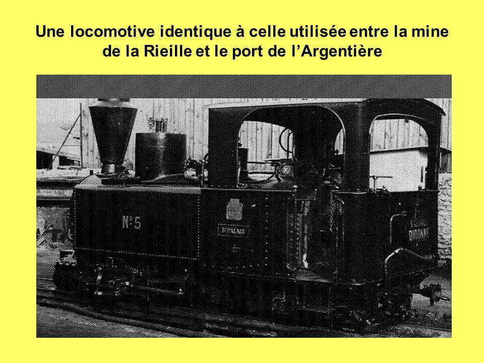 Une locomotive identique à celle utilisée entre la mine de la Rieille et le port de lArgentière
