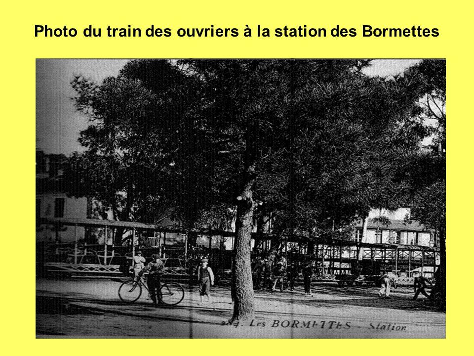 Photo du train des ouvriers à la station des Bormettes