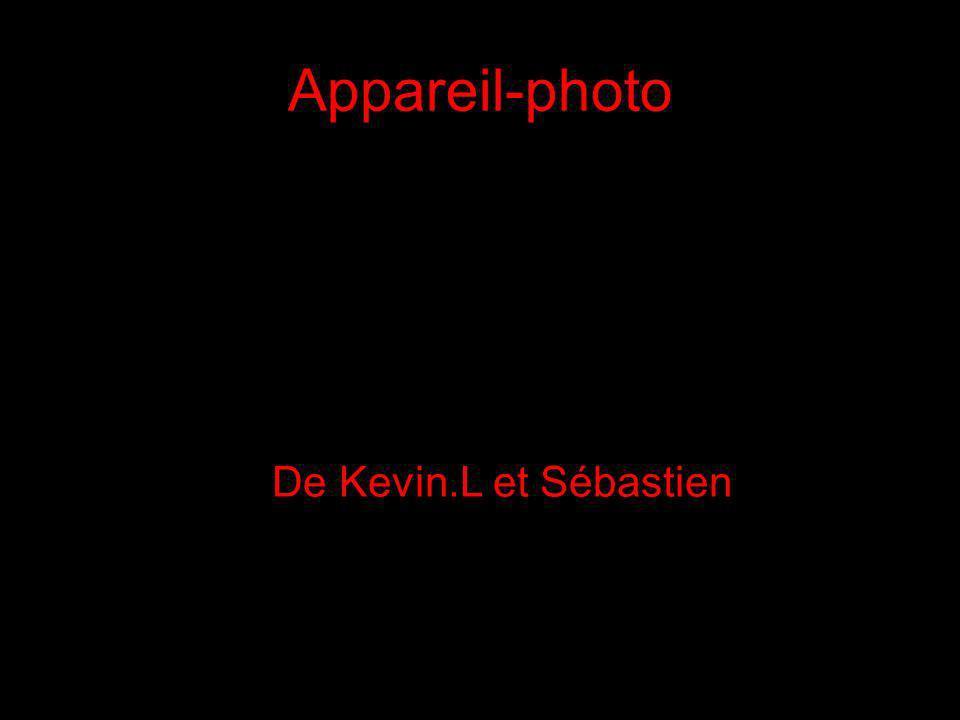 Appareil-photo du passé Appareil photo Vers 1897, 19e siècle ou 20e siècle 11.4 x 11.4 x 15.2 cm Don de Mrs.