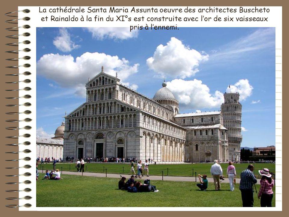 Sa tour penchée est mondialement connue et fait de Pise une étape incontournable de la Toscane. Construite dans un delta de lArno elle est connue déjà