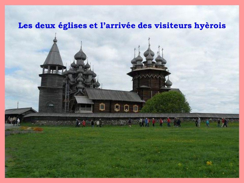 Les deux églises et larrivée des visiteurs hyèrois