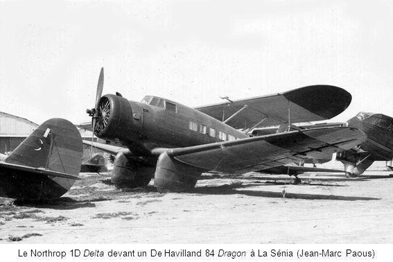 Le Northrop 1D Delta devant un De Havilland 84 Dragon à La Sénia (Jean-Marc Paous)