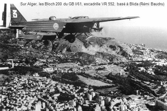 Sur Alger, les Bloch 200 du GB I/61, escadrille VR 552, basé à Blida (Rémi Baudru)