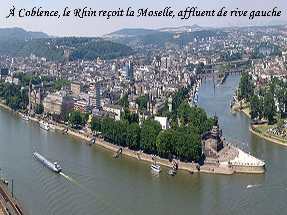 L'Aar en ville de Berne L'Aar (en allemand Aare) est une rivière de Suisse longue de 288 km, affluent rive gauche du Rhin