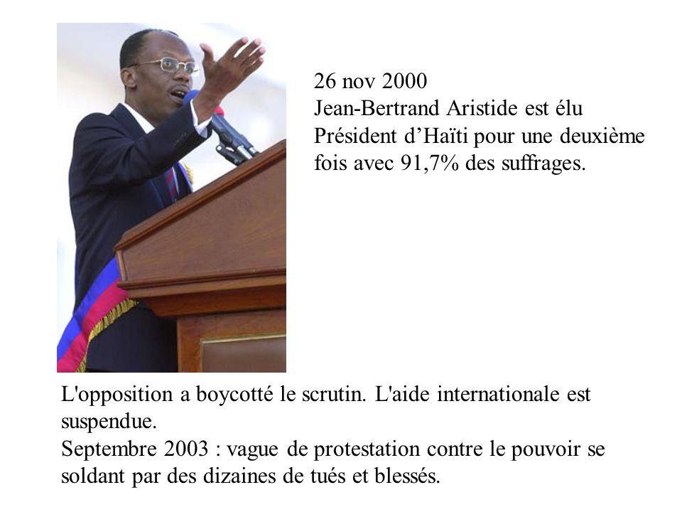L'opposition a boycotté le scrutin. L'aide internationale est suspendue. Septembre 2003 : vague de protestation contre le pouvoir se soldant par des d