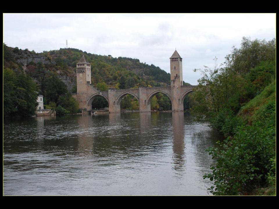 Le Pont Valentré patrimoine mondial de lUNESCO