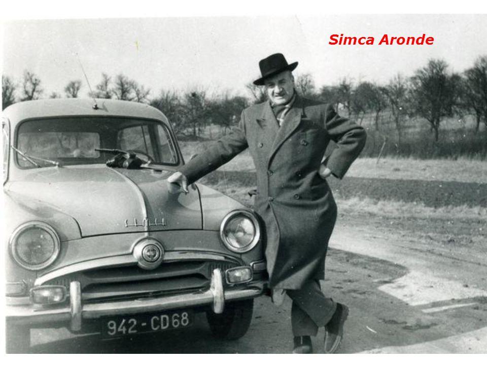 On prenait la photo de la nouvelle voiture Simca Ariane