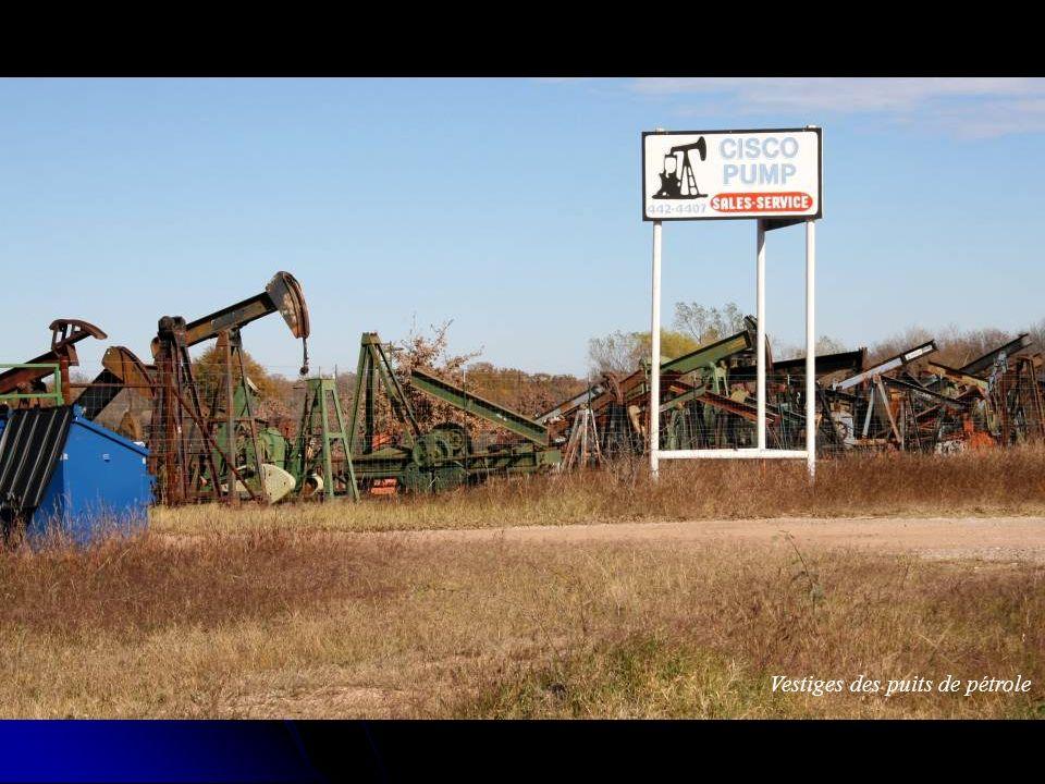Vestiges des puits de pétrole