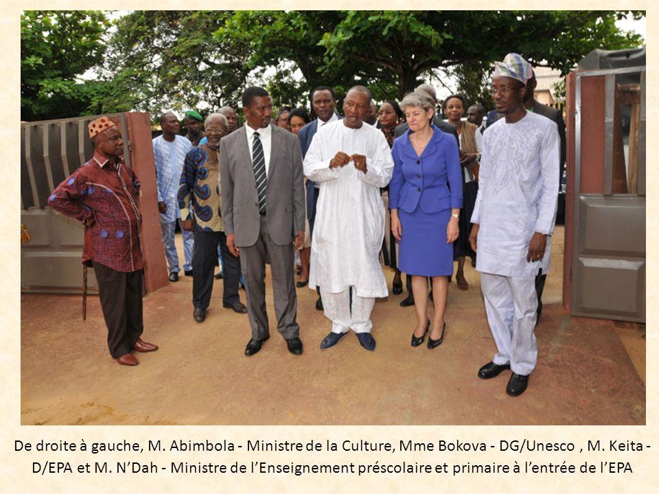 De droite à gauche, M. Abimbola - Ministre de la Culture, Mme Bokova - DG/Unesco, M. Keita - D/EPA et M. NDah - Ministre de lEnseignement préscolaire