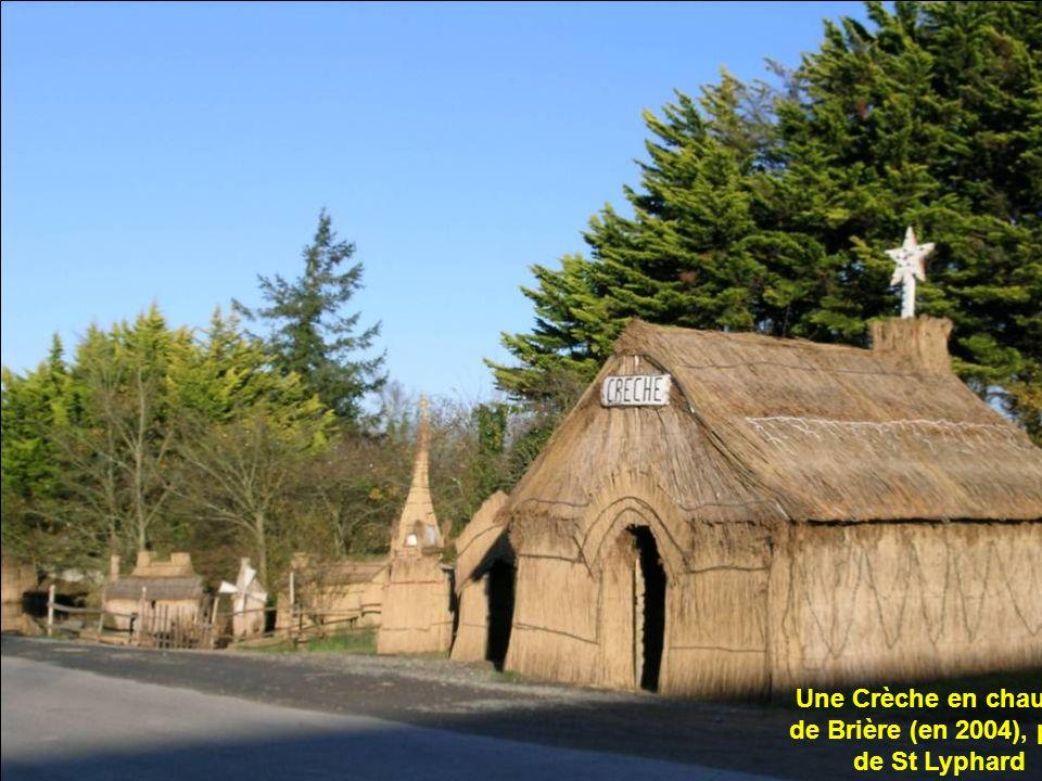 Une Crèche en chaume de Brière (en 2004), près de St Lyphard