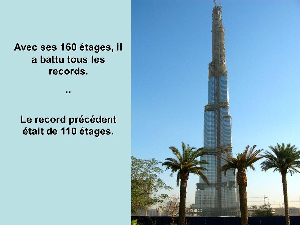 Le rideau deau fait 150 m de hauteur et 250 m de longueur.