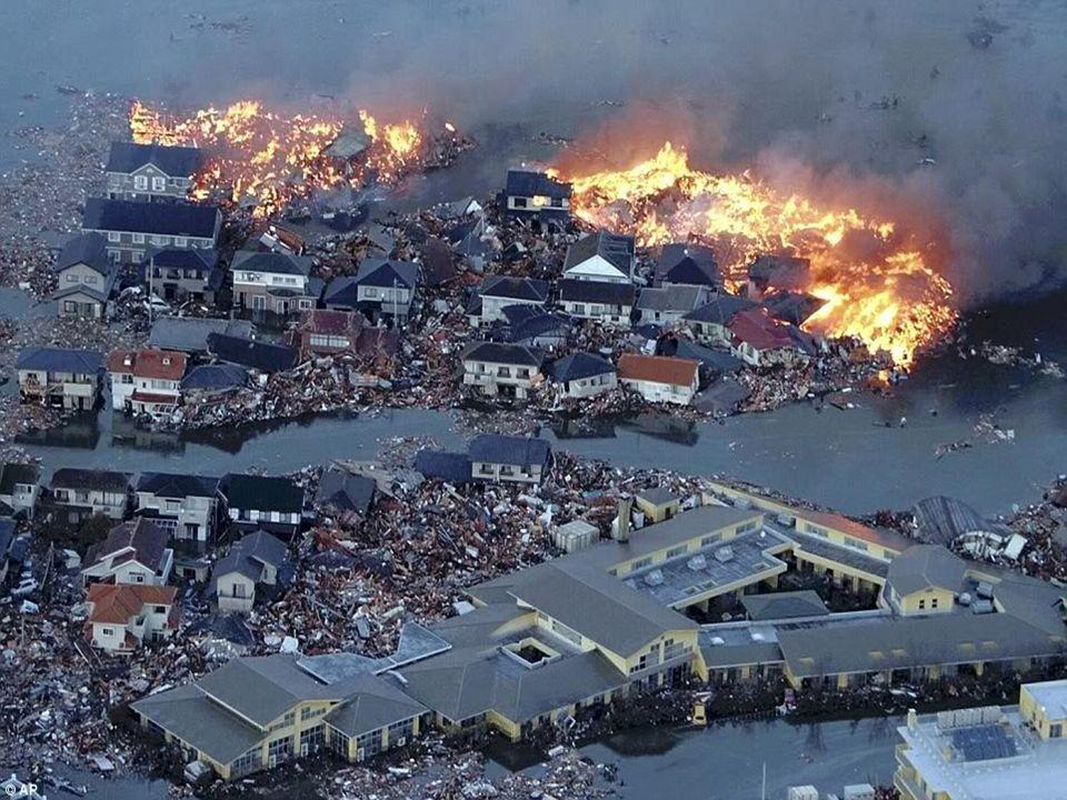 Tsunami Japon Un séisme de magnitude 9, le plus puissant quait jamais connu le pays, a frappé le Nord-est du Japon le Vendredi 11 mars 2011 Ce tremblement de terre a provoqué sur les côtes nippones un raz-de-marée qui a tout emporté sur son passage.