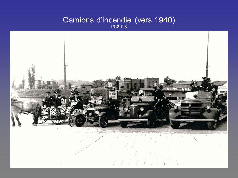 Camions dincendie (vers 1940) PC2-128