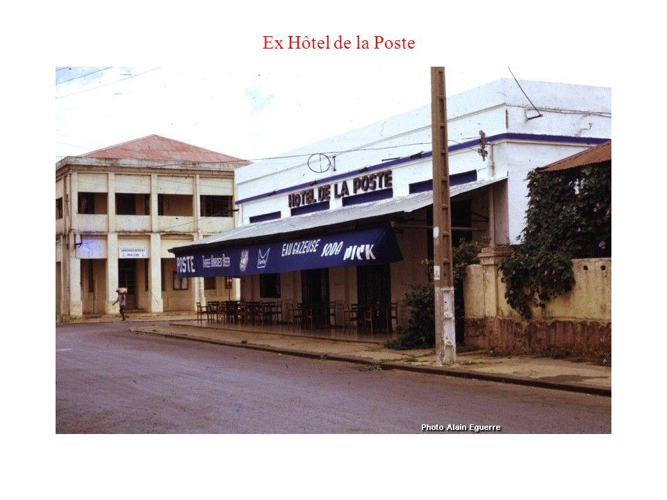 Belle Maison angle Bd Bazeilles et rue de lOurcq