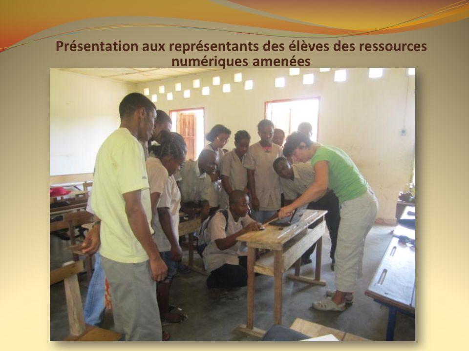 Présentation aux représentants des élèves des ressources numériques amenées