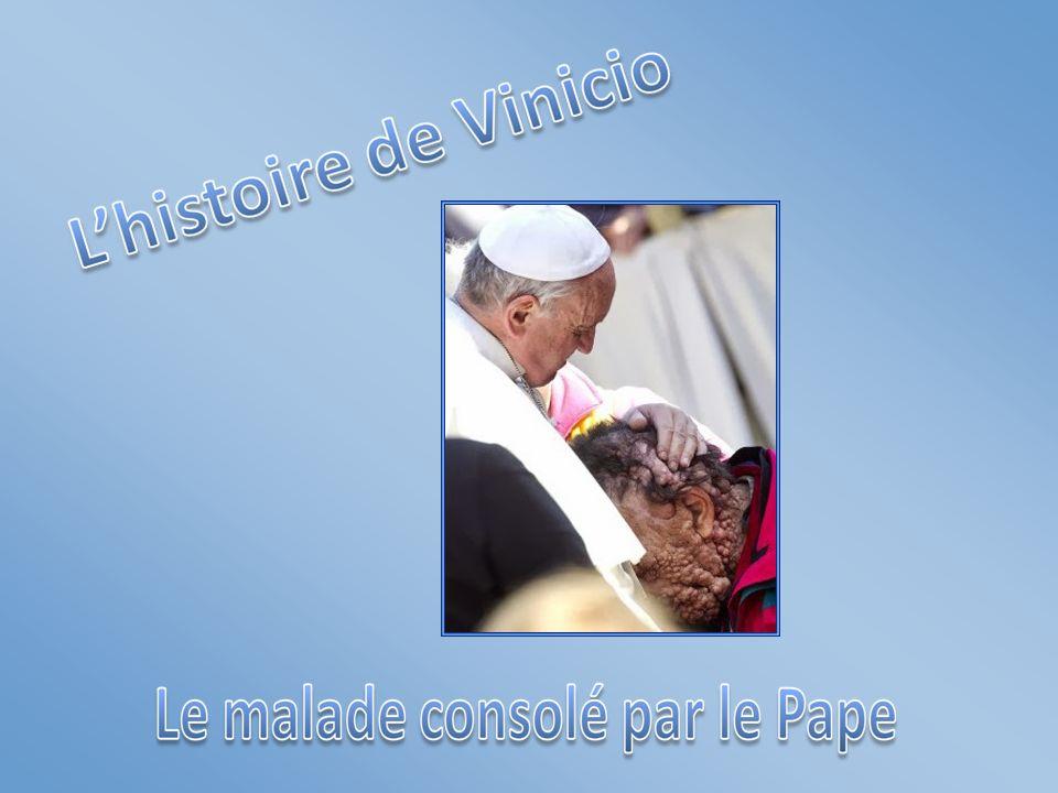 Les mains du Pape sont très tendres.Tendres et belles.