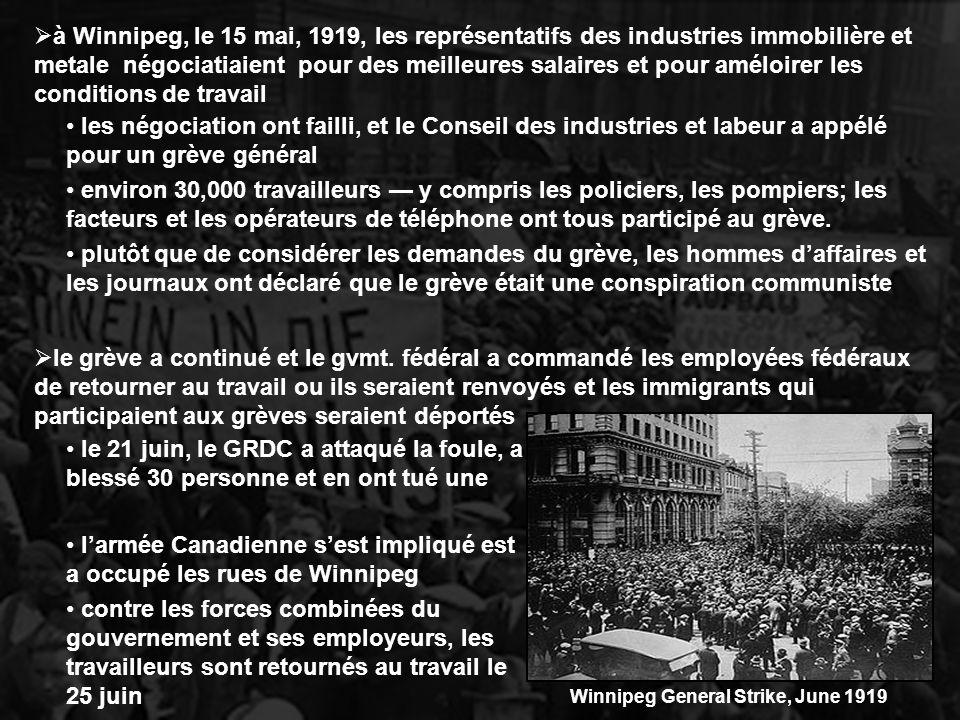 à Winnipeg, le 15 mai, 1919, les représentatifs des industries immobilière et metale négociatiaient pour des meilleures salaires et pour améloirer les