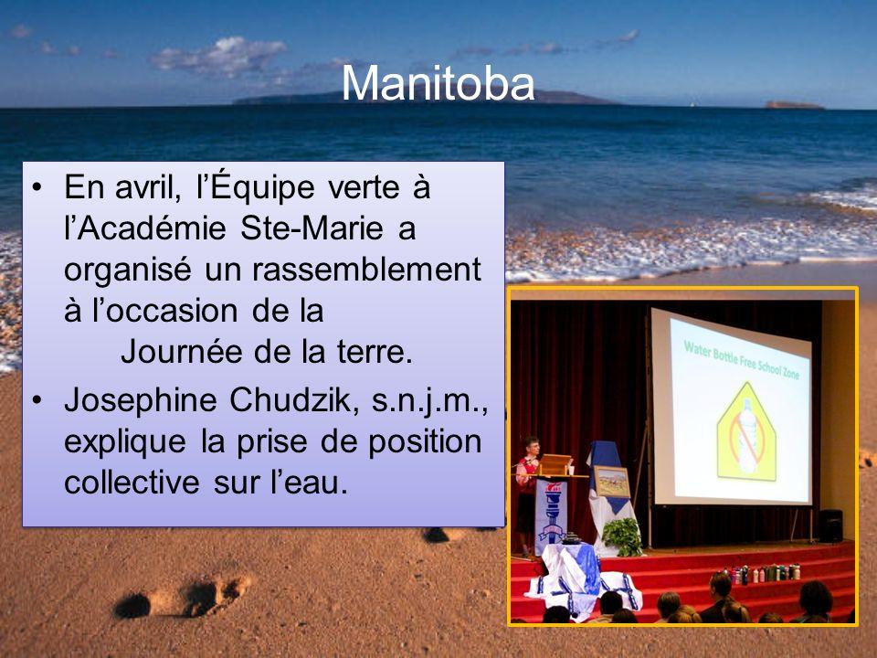 Manitoba En avril, lÉquipe verte à lAcadémie Ste-Marie a organisé un rassemblement à loccasion de la Journée de la terre.