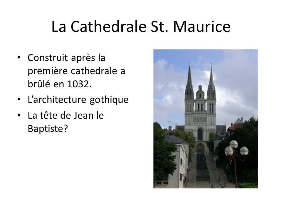 La Cathedrale St. Maurice Construit après la première cathedrale a brûlé en 1032. Larchitecture gothique La tête de Jean le Baptiste?