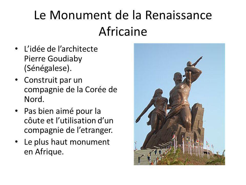 Le Monument de la Renaissance Africaine Lidée de larchitecte Pierre Goudiaby (Sénégalese). Construit par un compagnie de la Corée de Nord. Pas bien ai